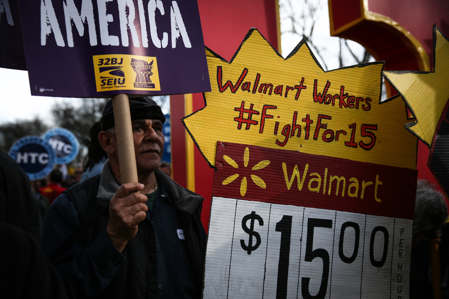 This Is How Many Americans Will See a $15 Minimum Wage By 2022